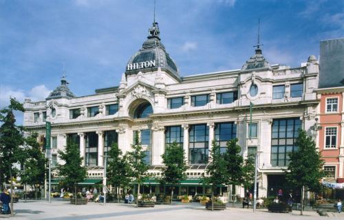 Het elegante hotel Hilton Antwerp ligt in het hart van het historische centrum van Antwerpen