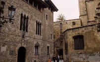 Het oude historische stadscentrum van Barcelona wordt aangeduid als het Ciutat Vela.