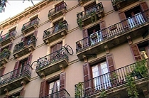 Typisch huizenblok in de wijk Ramblas in Barcelona.