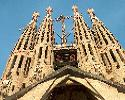 Sagrada Familia 1883-heden: Twaalf van de achttien geplande torens verwijzen naar de 12 apostelen.