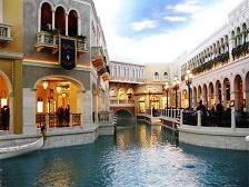 Zo heeft het Venetian hotel in Vegas alle plafonds beschilderd als een permanente blauwe lucht!