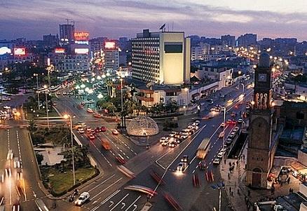 De drukke stad Casablanca