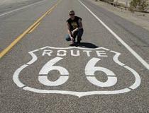 De Route 66 classic, van Chicago naar Los Angeles, mag natuurlijk niet ontbreken. De nadruk bij deze route ligt op de Amerikaanse cultuur van de afgelopen 100 jaar en is daardoor bijna een museumrit.
