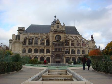 Een kerk in Parijs, Frankrijk
