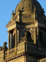 Glasgow stedentrips | Sinds Glasgow in 1990 culturele hoofdstad was, kenmerkt de stad zich thans als een combinatie van cultuur, stad van de schone kunsten en de spreekwoordelijke Schotse gastvrijheid. ?s Avonds kunt u zich ontspannen in een van de vele pubs, restaurants of andere uitgaansmogelijkheden. Geniet van de Schotse gastvrijheid!