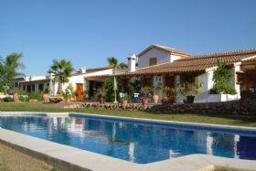Landelijk gelegen vakantiehuizen in Malaga, Zuid Spanje net buiten de drukke kustlijn van de Costa del Sol