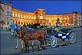 Het hart van Wenen is de Hofburg, waarin vroeger het keizerlijke hof gevestigd was.