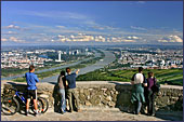 Uitzicht vanaf de leopoldsberg over Wenen.